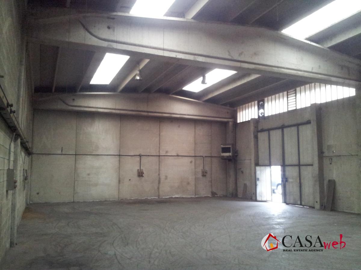 Capannone in affitto a Caravaggio, 9999 locali, prezzo € 900 | CambioCasa.it
