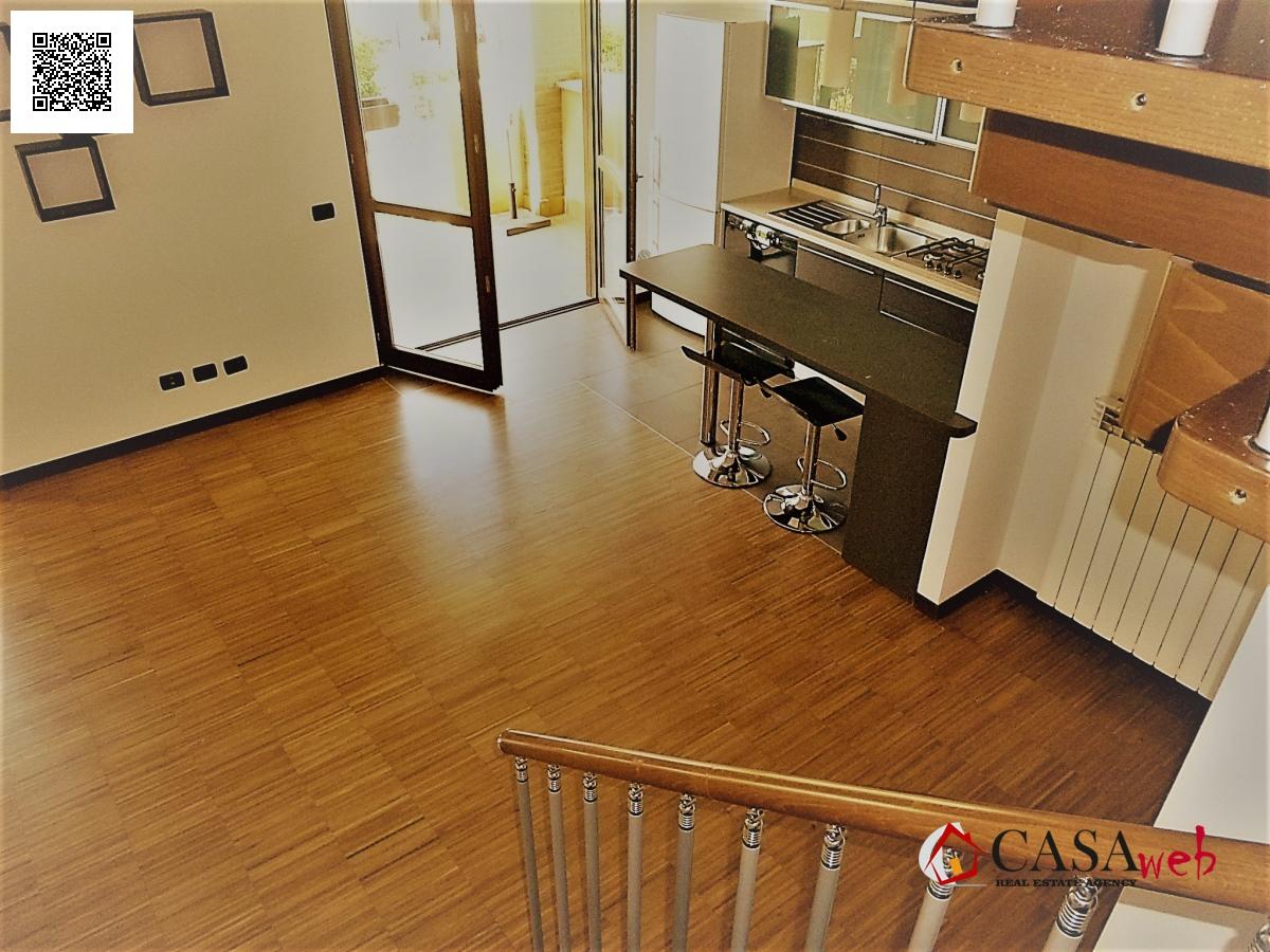 Appartamento in affitto a Mezzago, 4 locali, prezzo € 700 | Cambio Casa.it