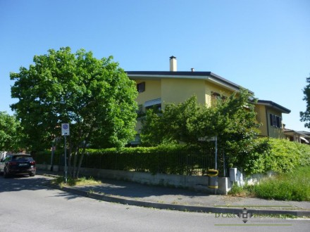 3 ROOMS WITH LIVING KITCHEN AND DOUBLE SERVICES IN TORRAZZA