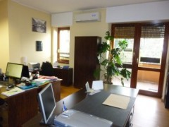 OFFICE NEAR THE TOWN CENTRE - 2