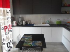 THREE-BEDROOM APARTMENT WITH GARDEN - 4