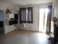 THREE-BEDROOM APARTMENT WITH GARDEN - 11