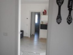 THREE-BEDROOM APARTMENT WITH GARDEN - 21