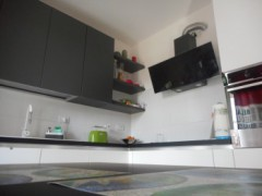 THREE-BEDROOM APARTMENT WITH GARDEN - 5