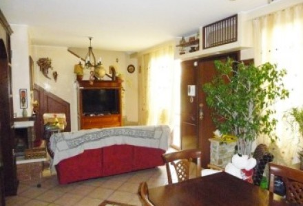 WONDERFUL APARTMENT WITH 4 BEDROOMS, GARDEN AND TAVERN